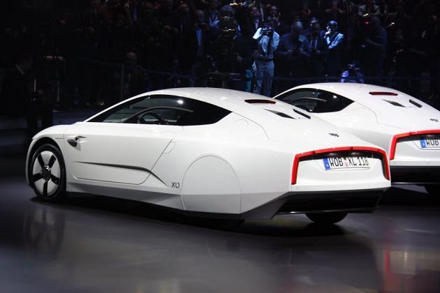 Volkswagen XL1, вид сбоку, сзади
