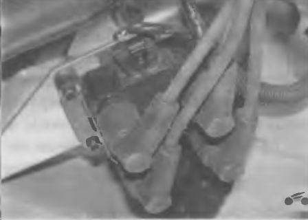 Высоковольтные провода системы зажигания двигателя