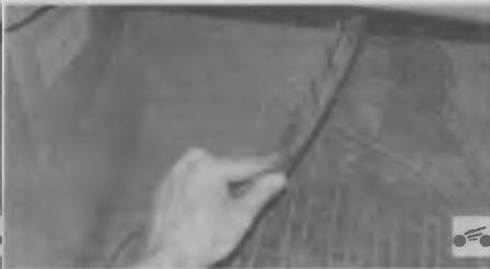 Осматриваем радиатор отопителя салона