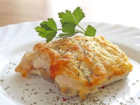 Рыба запеченая на моркови: вкусно и дешево