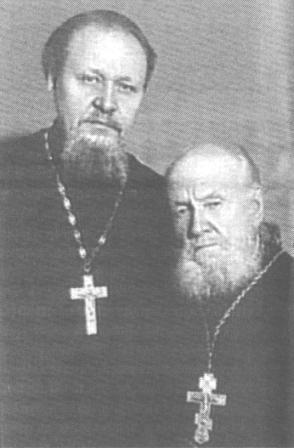 Дед и отец Владыки Кирилла - Василий Степанович Гундяев и его сын Михаил