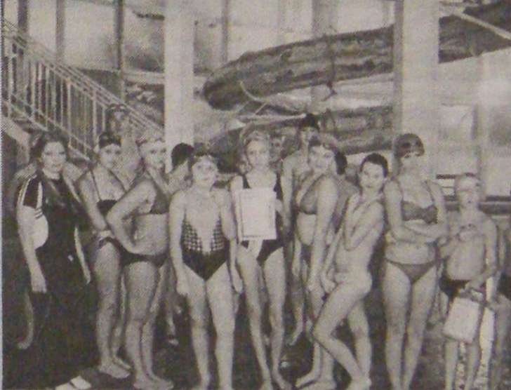 юные пловцы после соревнований