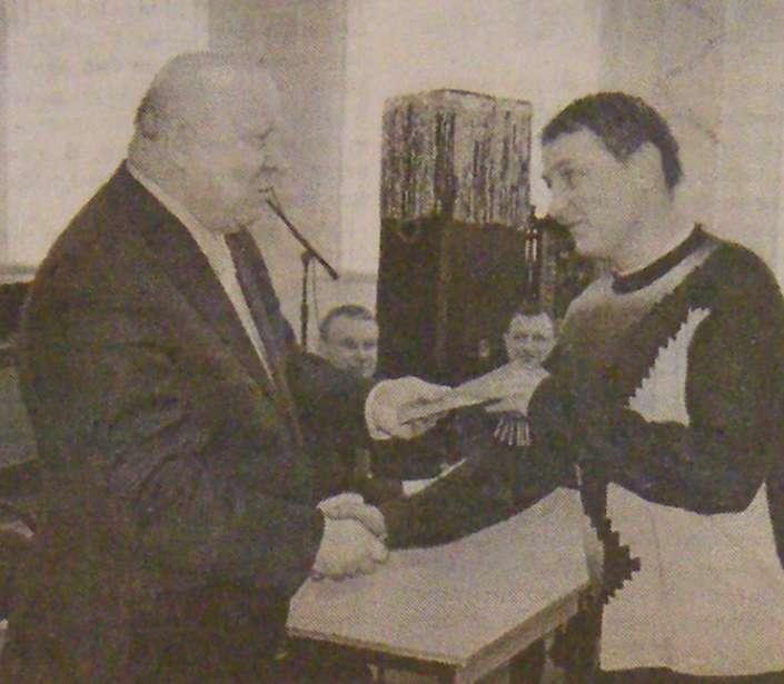ключи от новой квартиры вручает губернатор Валерий Шанцев