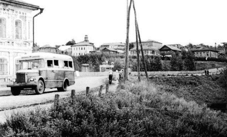 Центр Сергача около городского пруда