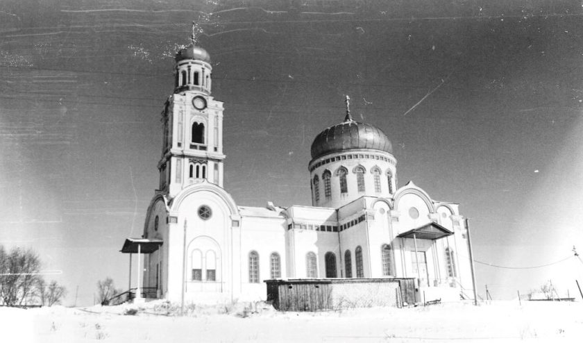 Храм в селе Кладбищи