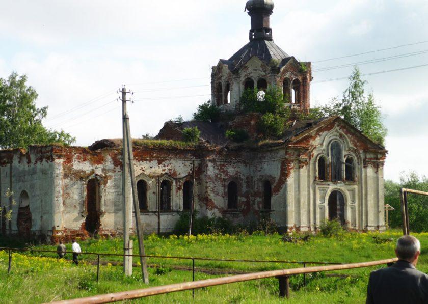 Храм каменный в селе Какино