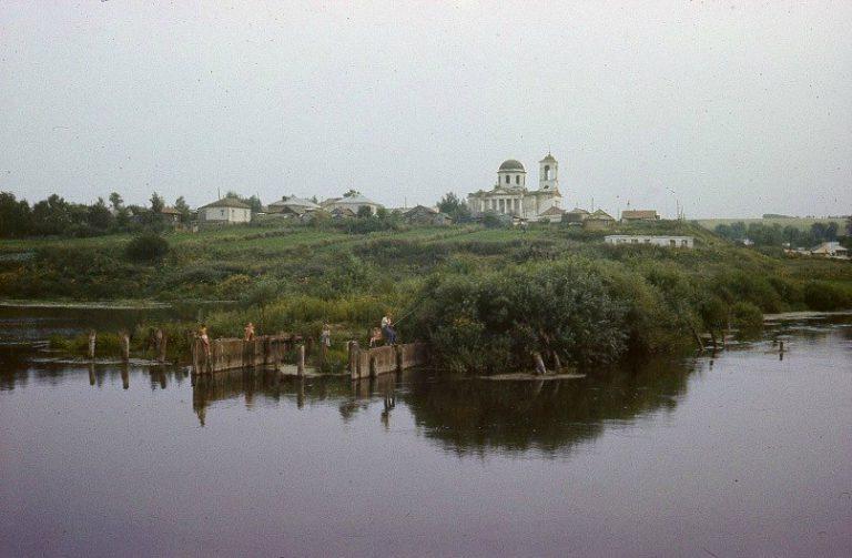 Остатки плотины на реке Пьяна
