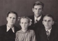 Юров М.Г. и семья