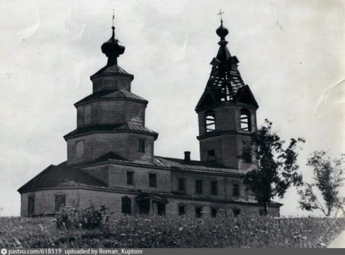 Знаменское село, церковь